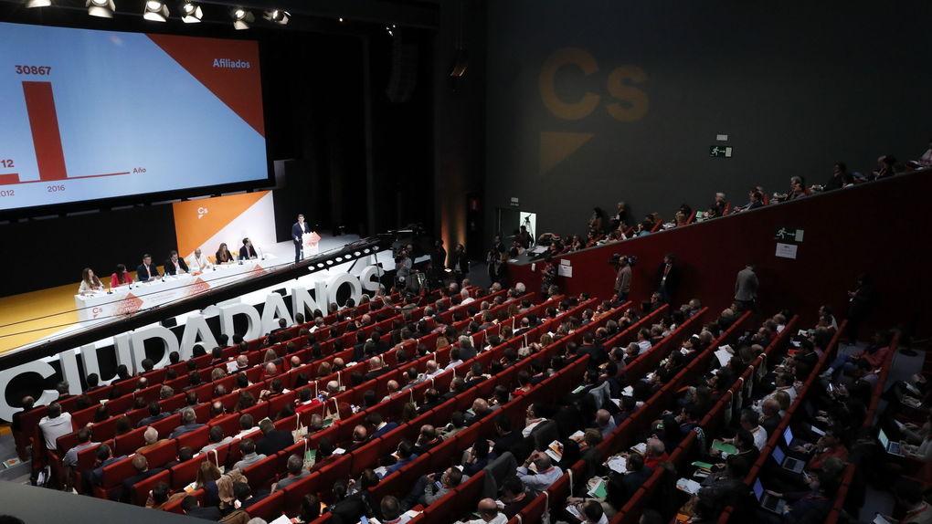 Plenario-IV-Asamblea-General-Ciudadanos_996510673_5684011_1020x574