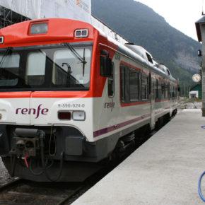 Ciudadanos reclama al Gobierno mejoras en la línea de tren Zaragoza-Canfranc y que retire los trenes de la serie 596