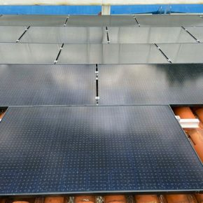 Utrillas instala placas fotovoltaicas para lograr el autoconsumo energético de la piscina climatizada municipal