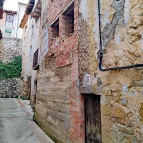 Ciudadanos propone que la Diputación de Teruel ayude a los pueblos a derribar las casas en ruinas