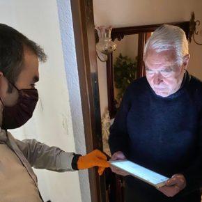 El Ayuntamiento de Teruel colabora con CaixaBank y Embou para que los mayores puedan realizar videollamadas con sus familiares