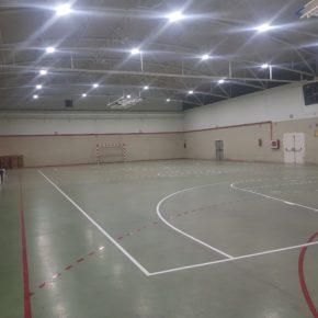 El Ayuntamiento de Herrera de los Navarros renueva la iluminación del pabellón y del campo de fútbol con una inversión de 30.000 euros