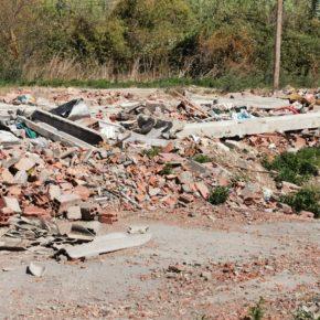 Ciudadanos Fraga alerta de posibles irregularidades en la gestión de los residuos contaminantes del asentamiento ilegal del camino Torrente